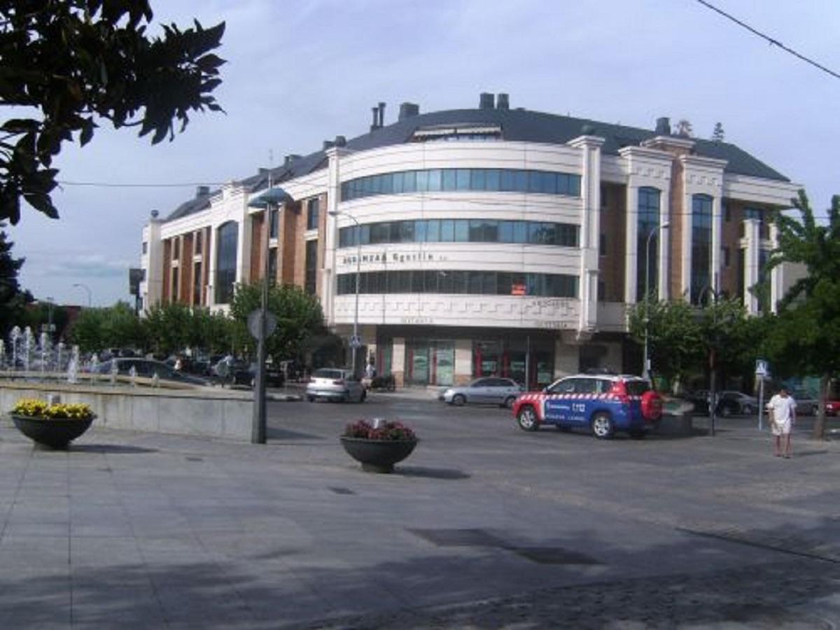 Alquiler piso Avda. Reyes Catolicos, Majadahonda.