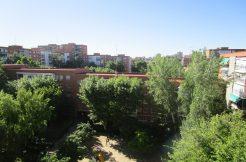 Piso en venta en calle Jacobinia, 34, Madrid