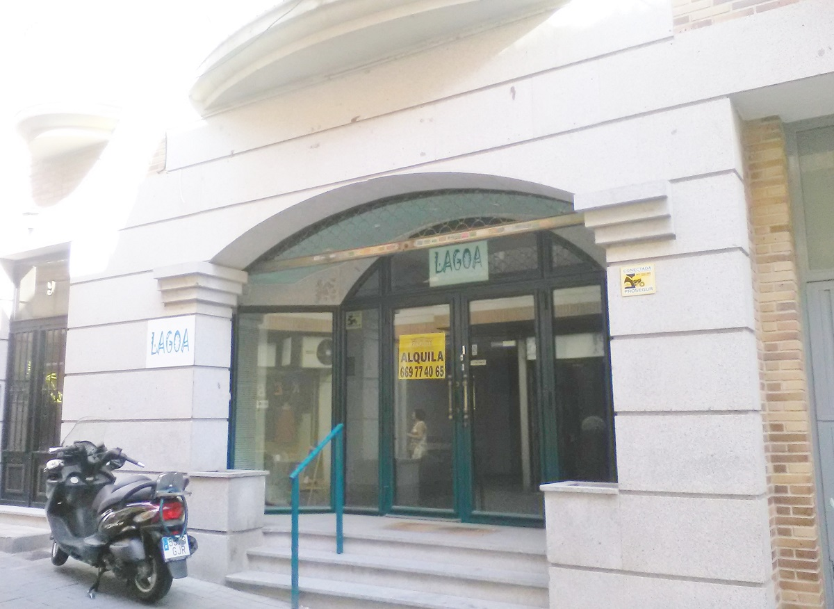 Amplio Local en Santiago Apostol